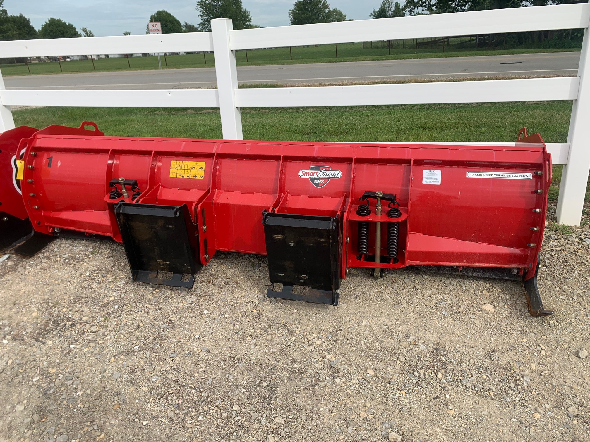 Boss 2019 10ft Skid Steer Box Plow #1 (2)